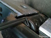 Ranura de la cuchilla y portacuchillas. www.enredandonogaraxe.com
