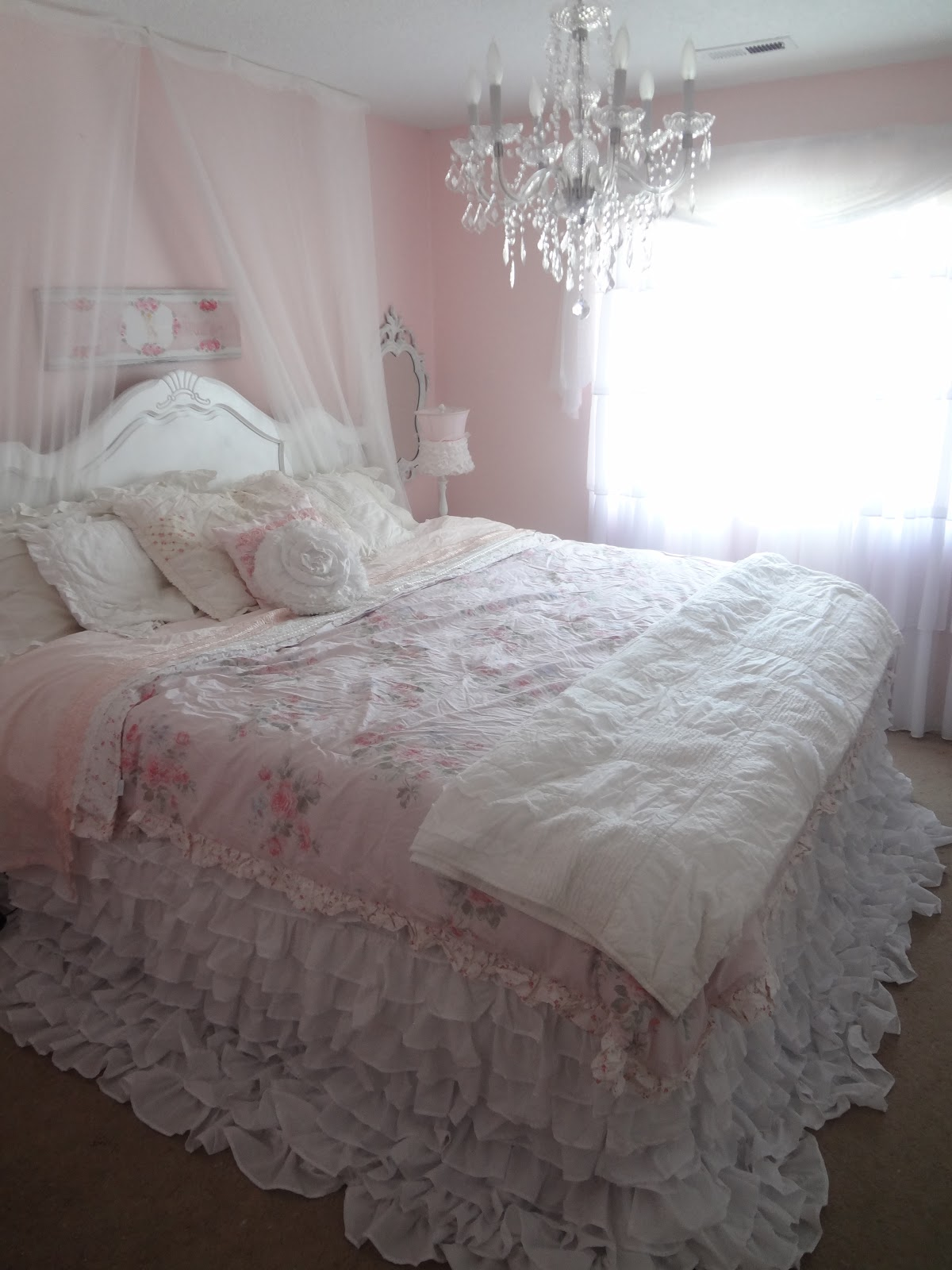 not so shabby shabby chic my new ruffly bedding. Black Bedroom Furniture Sets. Home Design Ideas