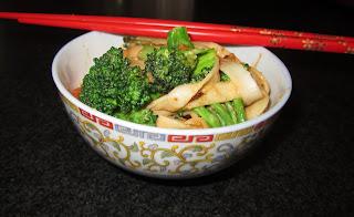 broccoli vegan vegetarian peanut sauce