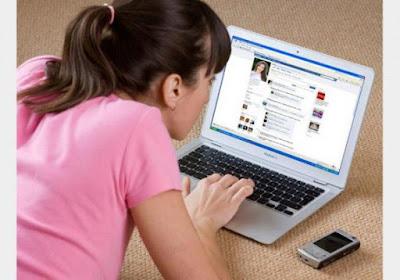 نصائح الاسرة للطف حول استخدام الفيس بوك