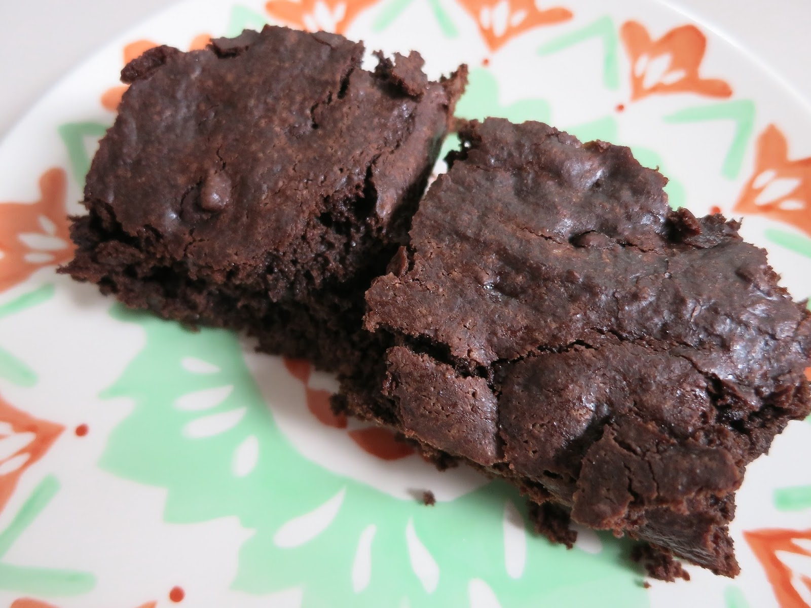 Learning to Eat Allergy-Free: Enjoy Life Foods Brownie Mix Review
