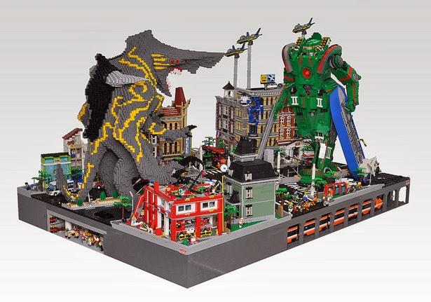 Kaiju vs Jaeger by Lego