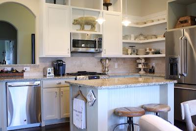 Grand design brighton cottage for Brighton kitchen cabinets