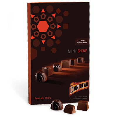 Cacau Show festival de inverno bombom de chocolate recheado com licor Cointreau