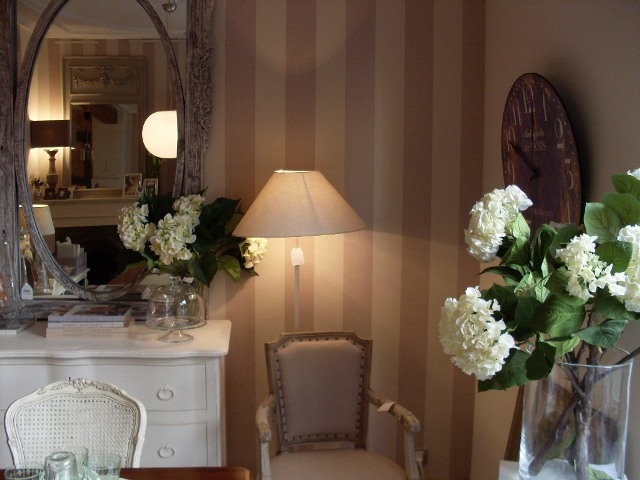 Tu casa puede ser unica paredes bien vestidas fincas - Papeles pintados para pasillos ...