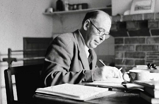 cs lewis writings C s lewis biography - clive staples lewis (29 november 1898- 22 november 1963), commonly referred to as cs lewis was an irish author and scholar, born into a.