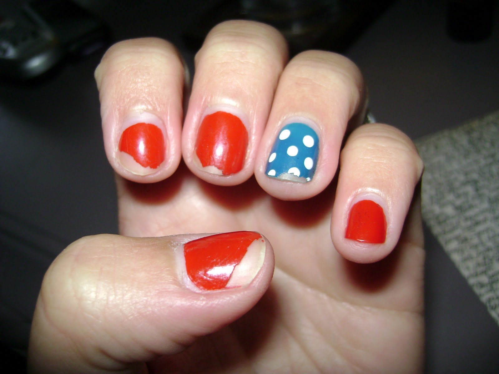 Buttons Birds & BS: Read my nails