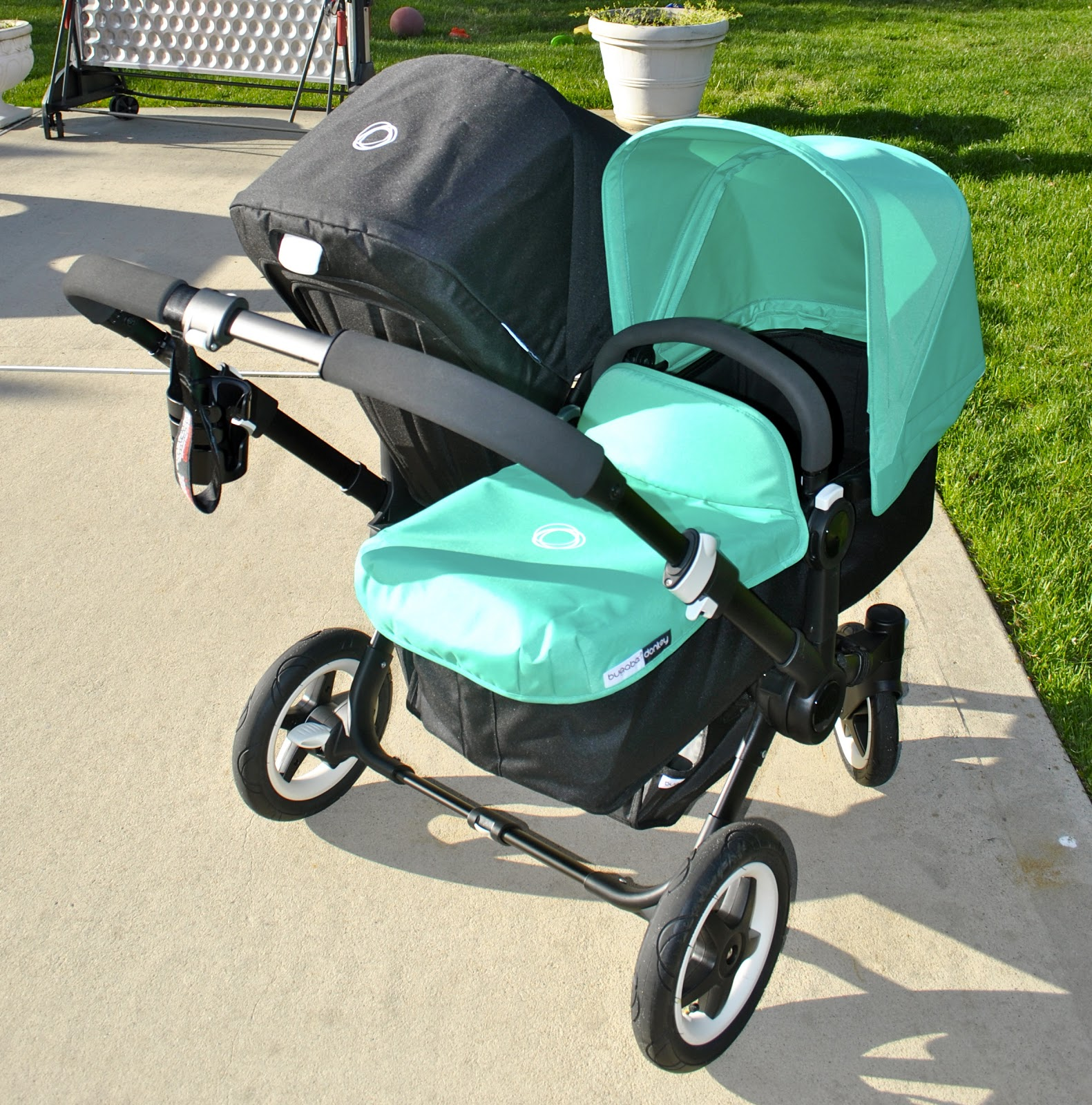 ROLL her STROLLER: Bugaboo Donkey (All Black Edition) Review!