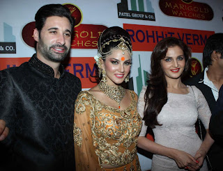 Sizzling Sunny Leone and Sushmita Sen at Rohit Verma's Fashion Show