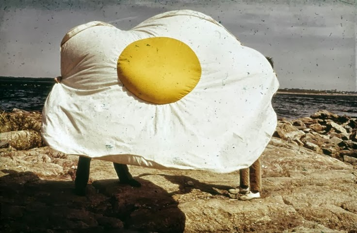 Claes Oldenburg, Fried Egg, canvas, dyed cotton and expanded polystyrene, 1966-71