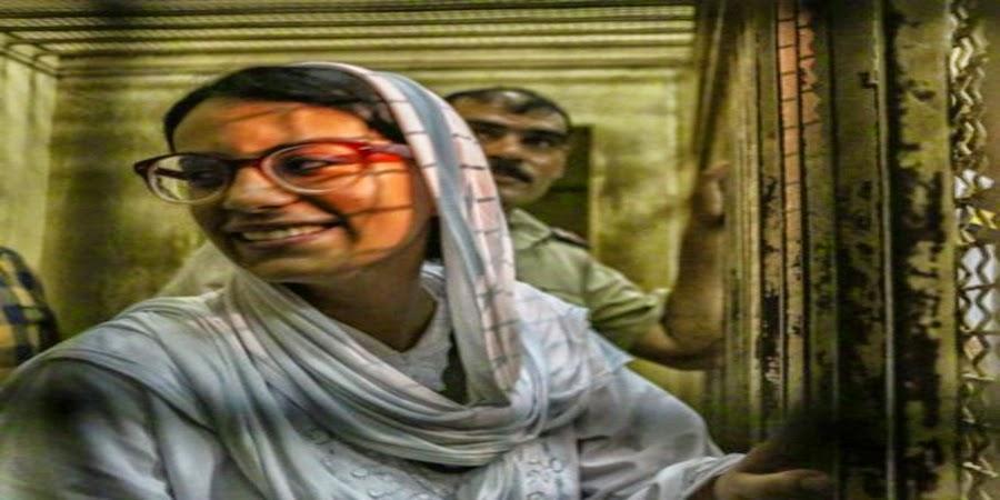 خبر :    ماهينور المصري تنهي إضراب الطعام ... خوفا ً على السجينات المتضامنات