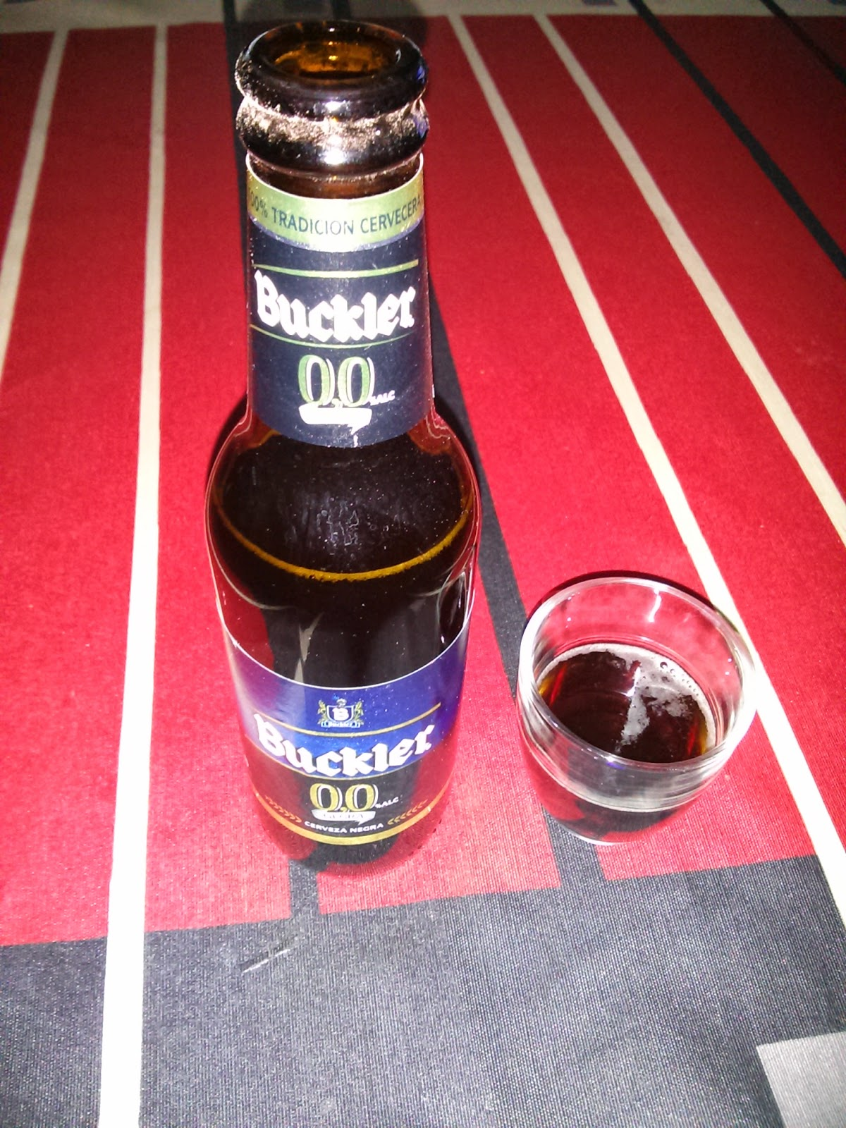 cerveza negra Buckler 0,0