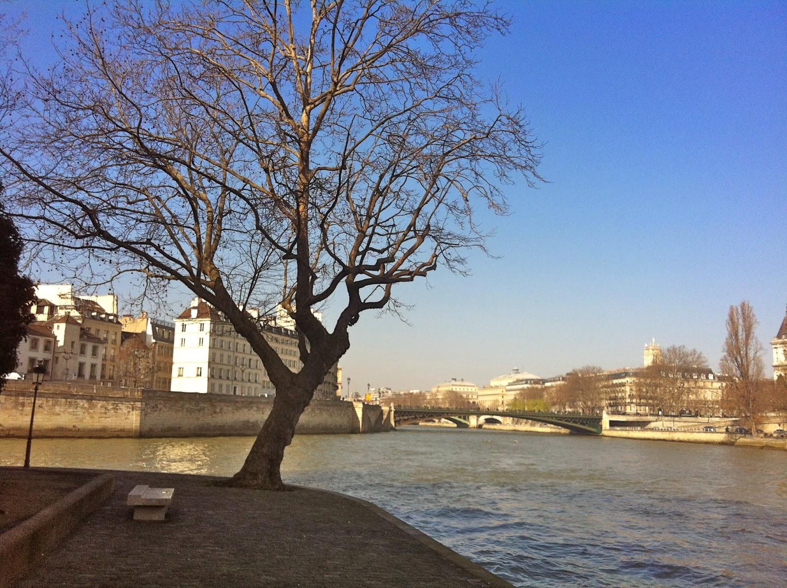 ©Esther a Paris