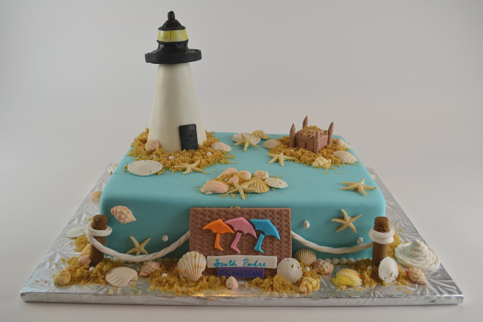 Delicious Cakes Wedding Cakes For A Seaside Wedding