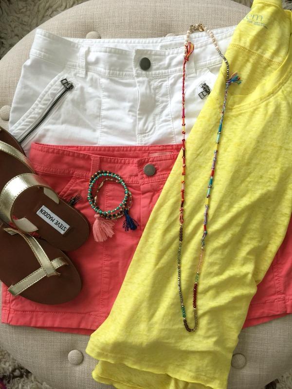 Summer Fashion - Cute summer shorts outfit