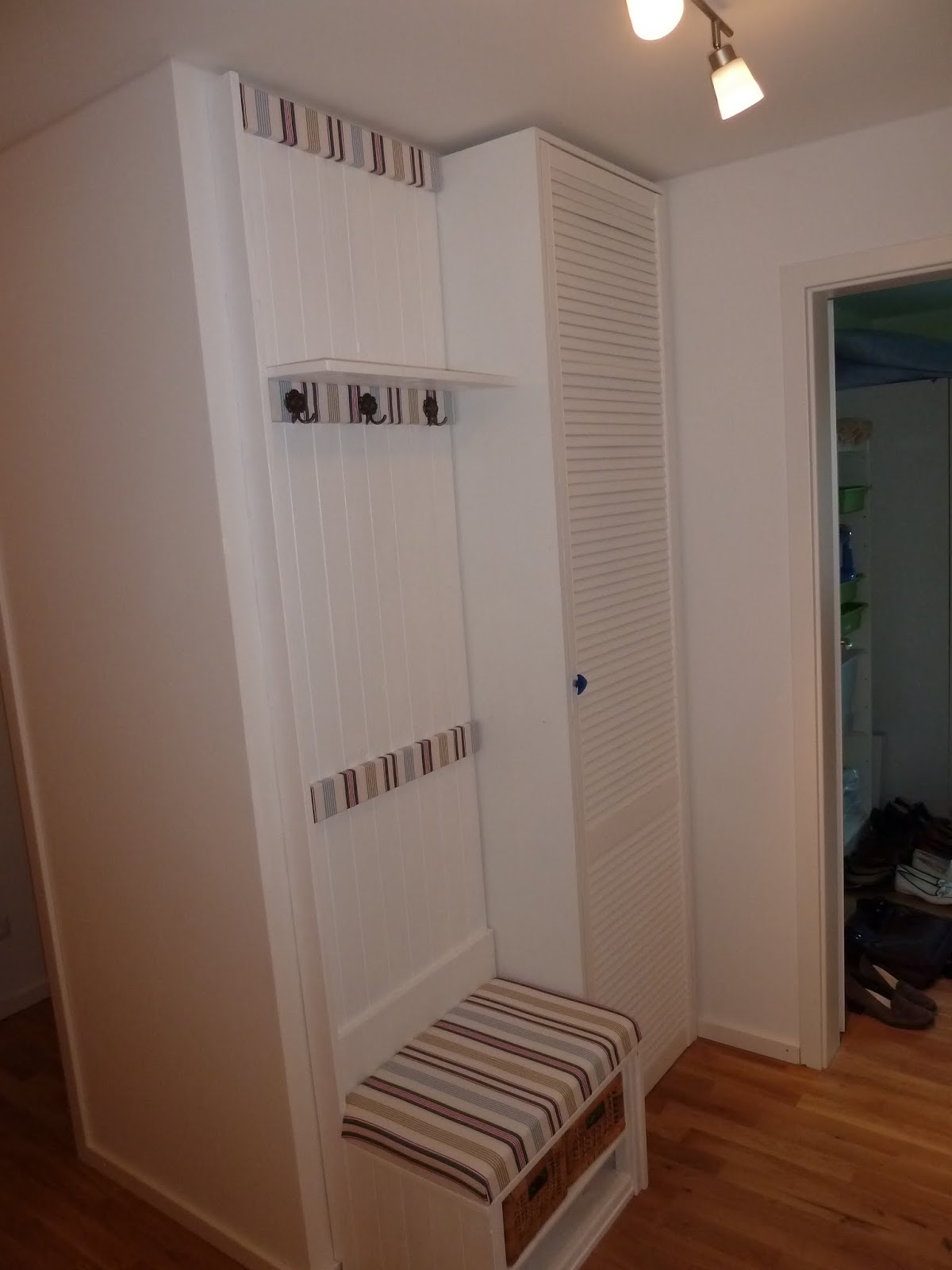 hobbywerker garderobe f r den flur. Black Bedroom Furniture Sets. Home Design Ideas
