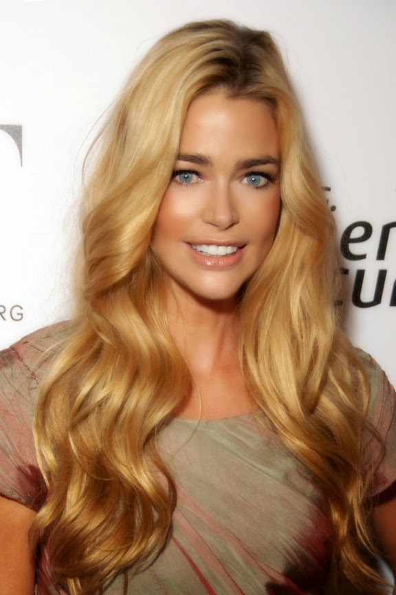 http://es.wikipedia.org/wiki/Denise_Richards