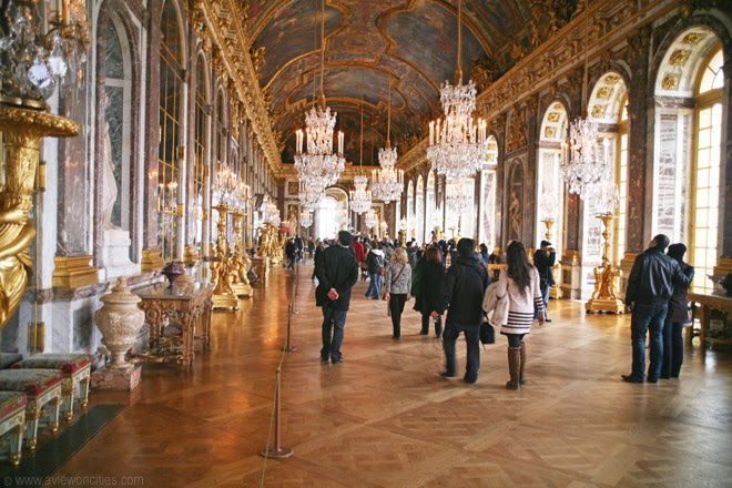 Hall-of-Mirrors-Versailles-Palace