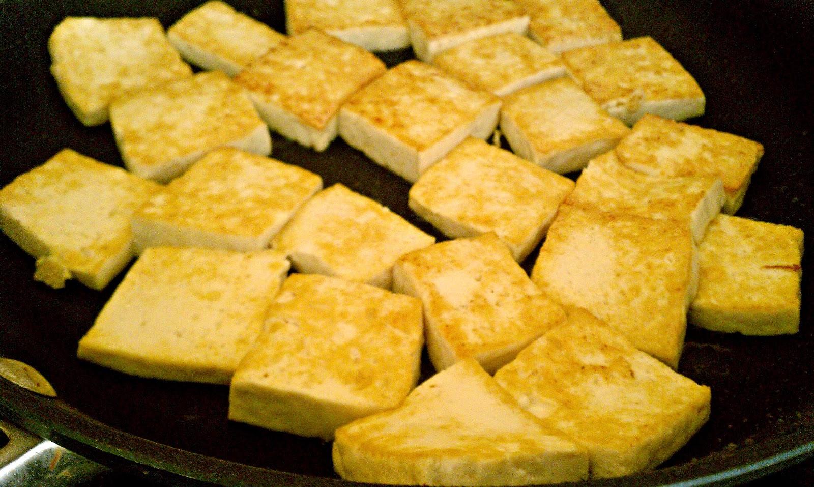 Finding BonggaMom: How to fry tofu