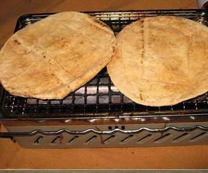 تسخين الخبز على البوتاجاز يسبب السرطان