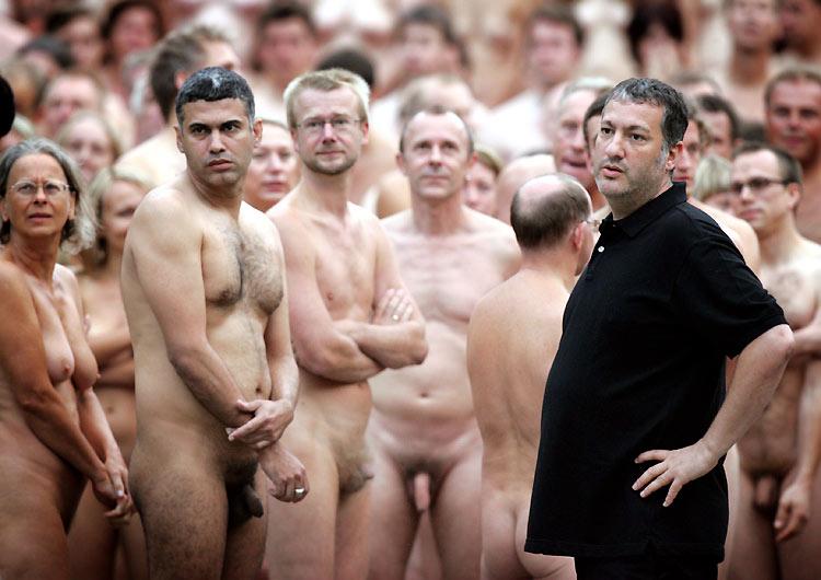 фото про голых людей