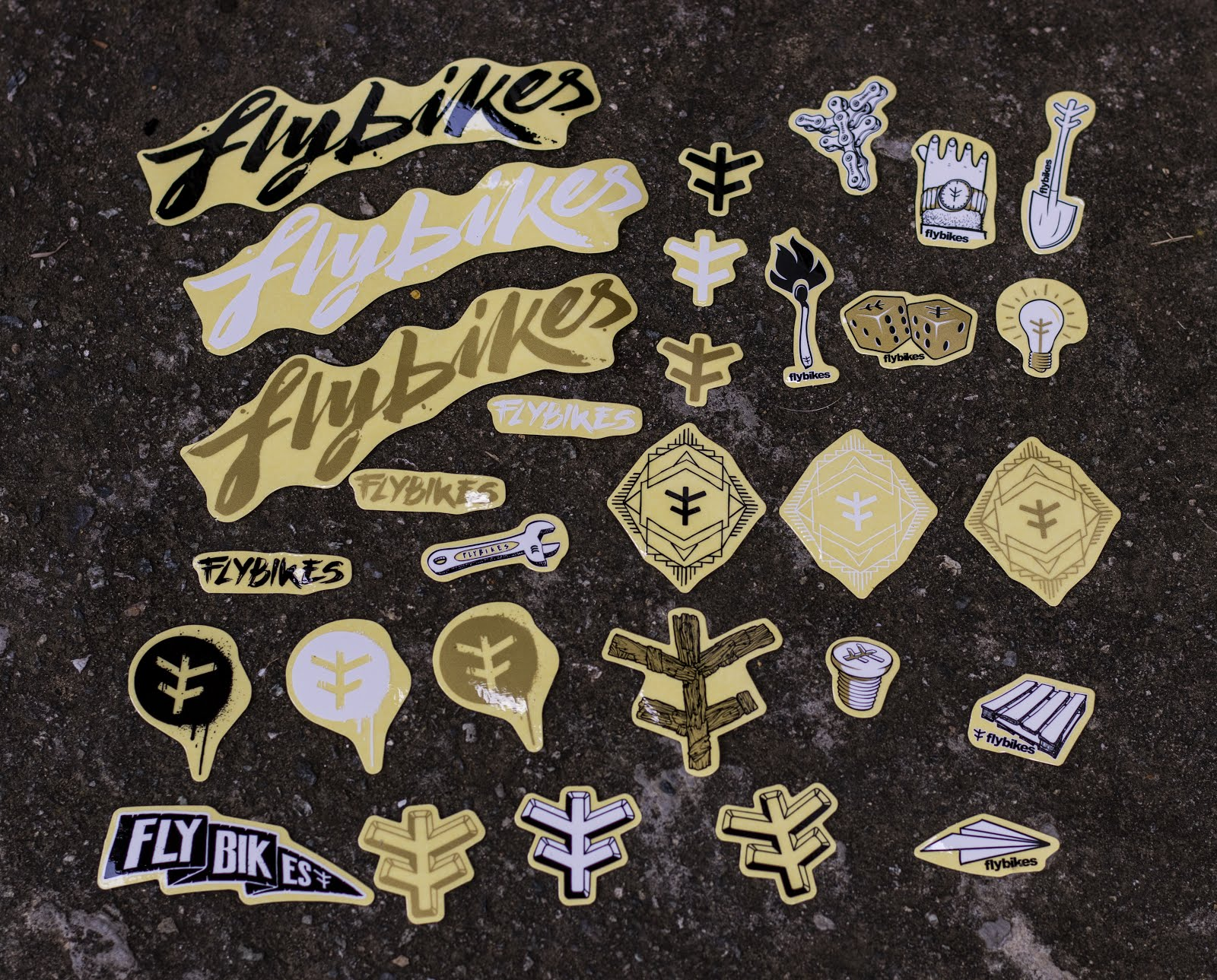 Pack de stickers FLYBIKES $20.000