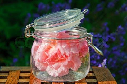 Recetas de perfumes y aguas de colonias caseras