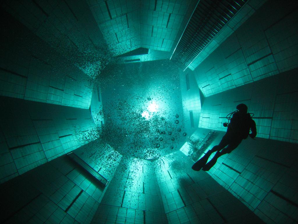 Travel Trip Journey Nemo 33 World 39 S Deepest Pool In Belgium