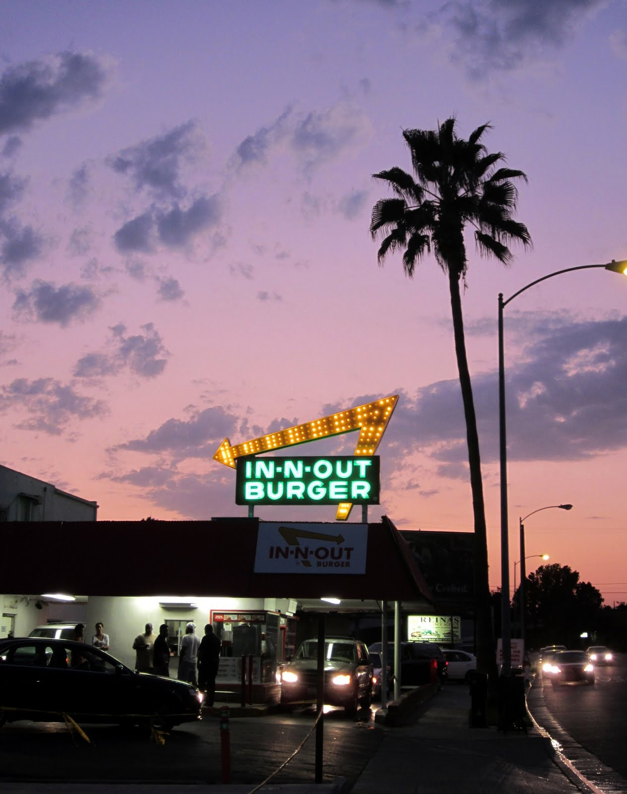 Surf Burgers >> EAST OF ALLEN: The Oldest Existing In- N- Out Burger