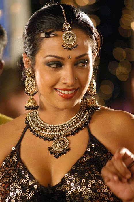 spicy mayuri(asha saini/flora) blouse t from from movie kanagavel kakka hot images