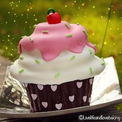 Giant-Cupcake ♥