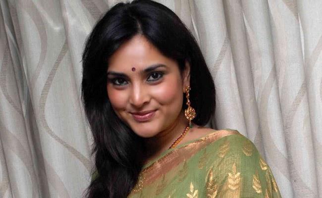 way 2 gossips ramya at kannada actress latest saree stills