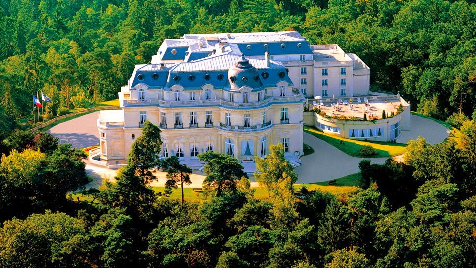 for luxury tiara ch 226 teau hotel mont royal chantilly