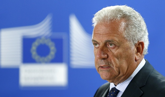 Γρήγορη ένταξη των λάθρο στις οικονομίες και τις κοινωνίες της ΕΕ θέλει ο Αβραμόπουλος!