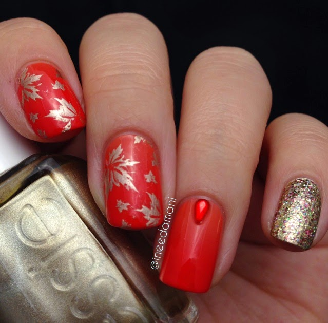 subtle gradient gold autumn leaves nails