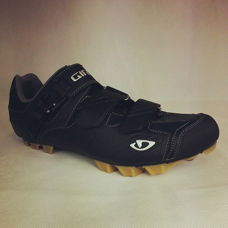 giro privateer in black