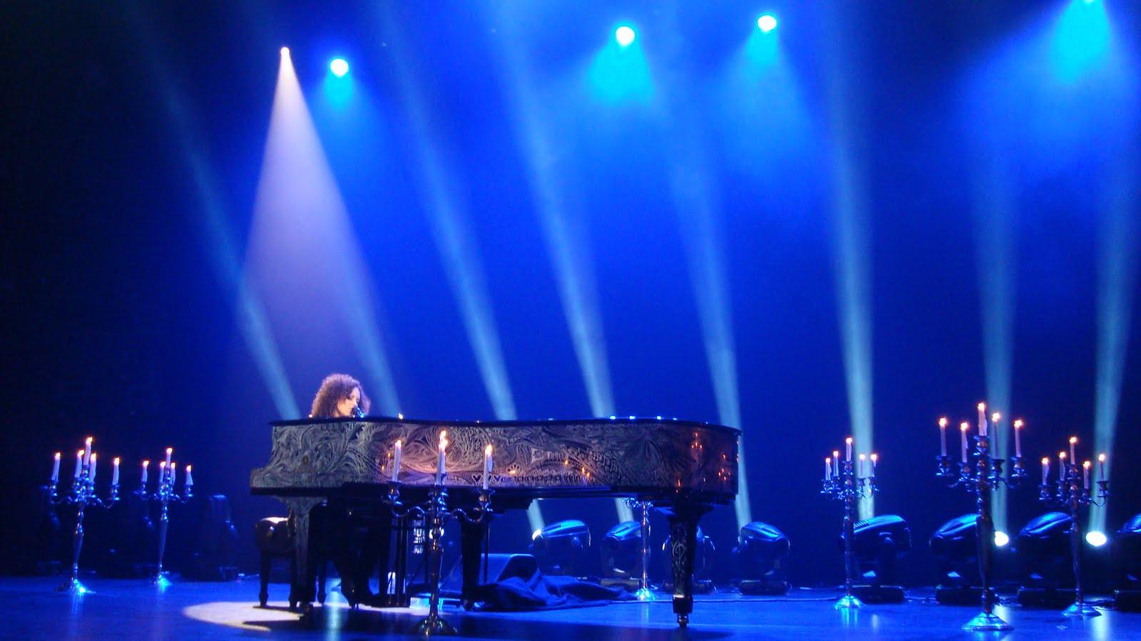 related alicia keys singing alicia keys playing piano live alicia keys ... Alicia Keys