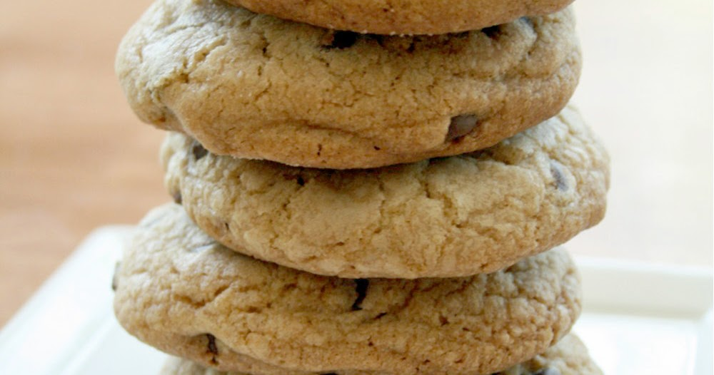 Love Your Mother: Rolo Stuffed Chocolate Chip Cookies