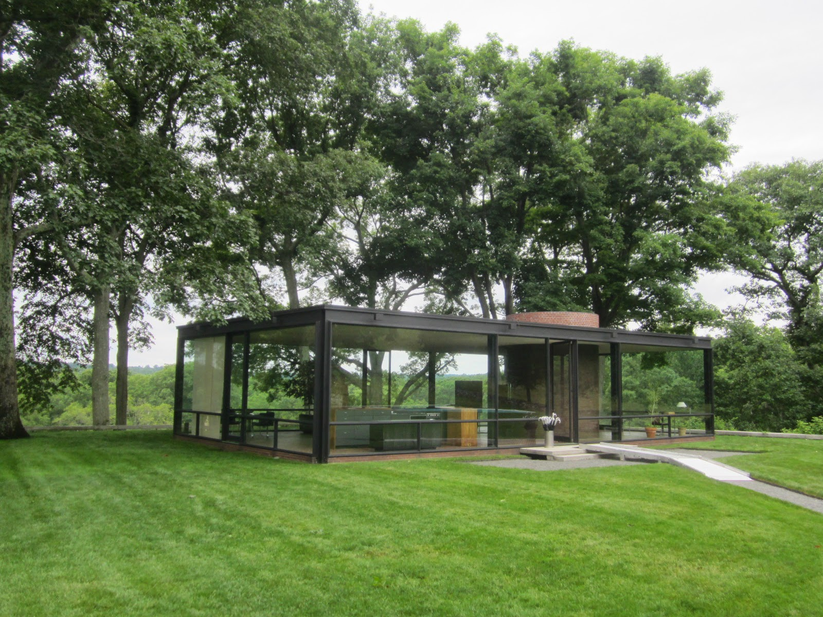 the myth of home philip johnson 39 s glass house. Black Bedroom Furniture Sets. Home Design Ideas