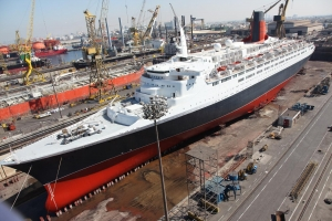 QE2 in Drydock in Dubai - Courtesy Drydock World Dubai