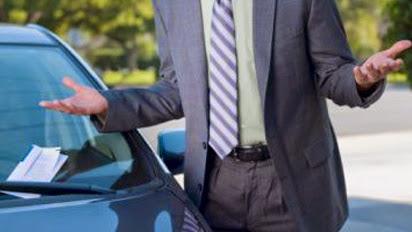 Já vendi o carro, mas recebi uma multa no meu nome. O que fazer