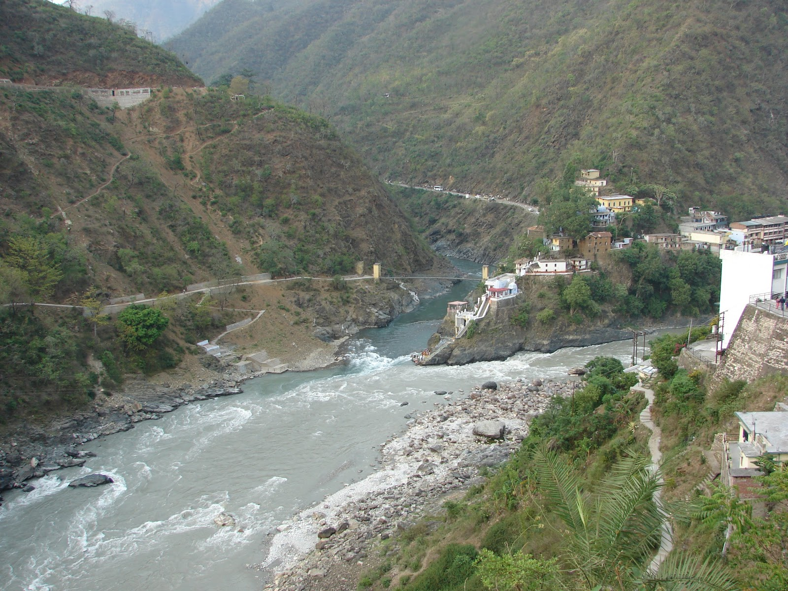 Rudraprayag India  city photo : The confluence of Alaknanda and Mandakini rivers. The temples of ...