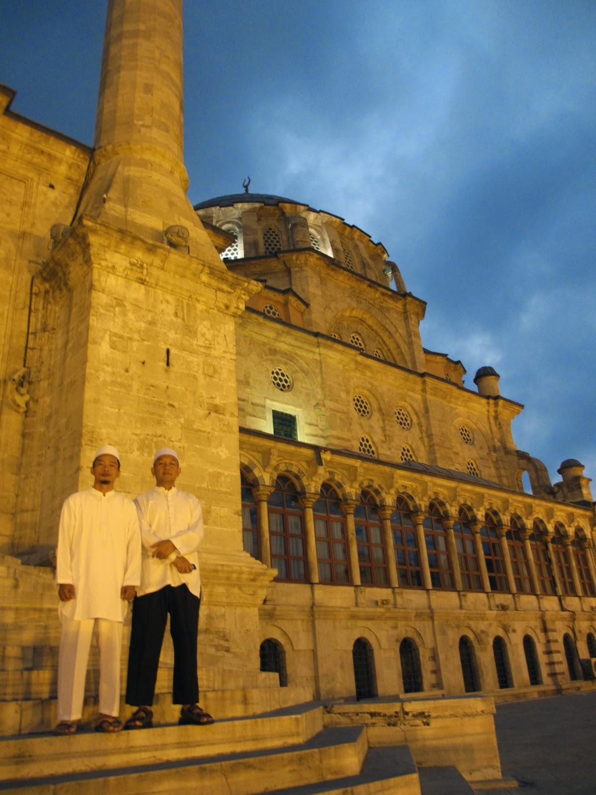 Travel Umroh Zam Zam Tower Terbaik Bagus dan Terpercaya