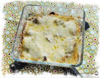 Печень, запеченая с луком и сыром