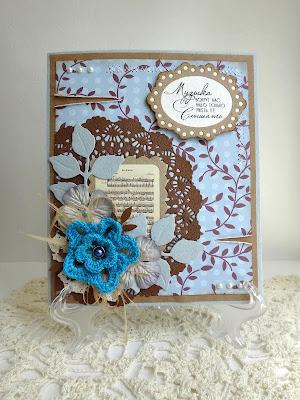 Крафтово-голубая музыкальная открыточка с привкусом шоколада