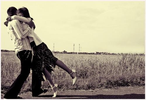 Ông ơi, tôi phải đi rồi, hãy ôm lấy tôi nhé !!!