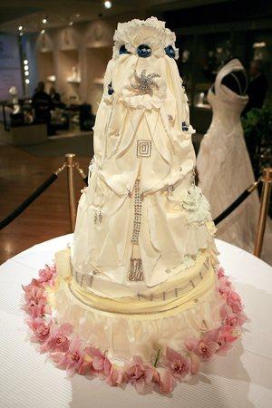 wedding marriage love most expensive wedding cake. Black Bedroom Furniture Sets. Home Design Ideas
