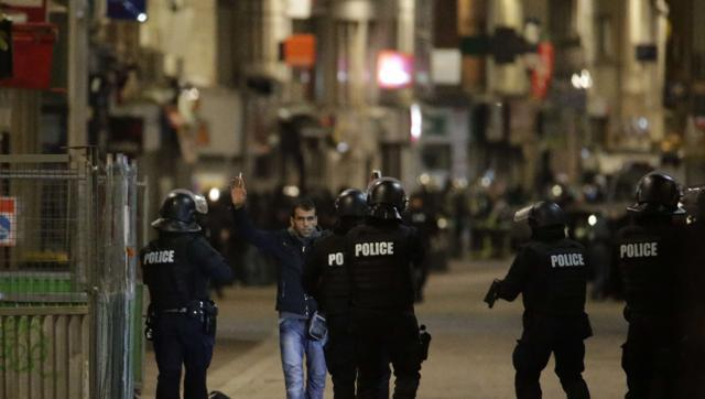 Police operation in Saint-Denis, near Paris on November 18, 2015, five days after Paris terror attacks. Shooting broke out in northern Paris early November 18, 2015 during a dawn raid by police. (AFP)
