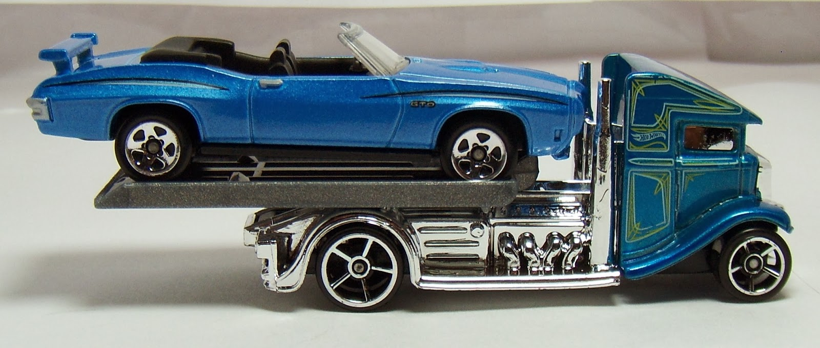 Just add a metal base to future variations and it ll be one perfect flatbed truck for the hot wheels brand