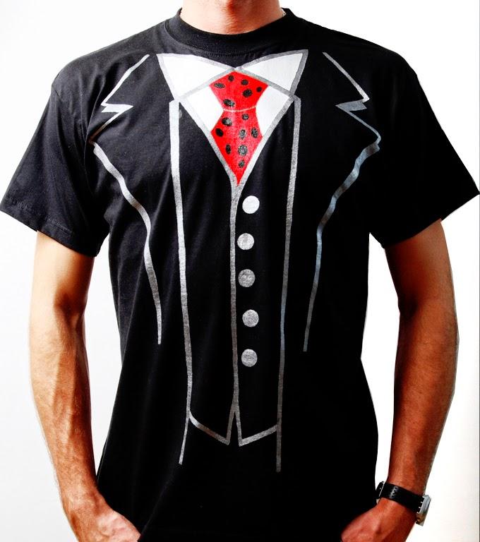 cravata la purtatorul de tricou